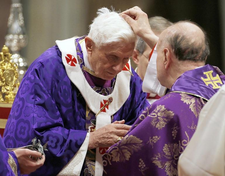Cardenal Comastri y Benedicto XVI