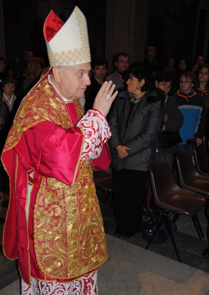 Cardenal Comastri