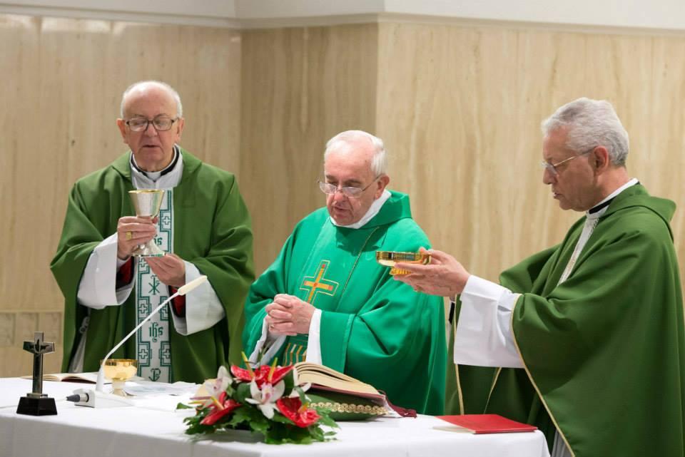 Attilio Nicora y el Papa Francisco