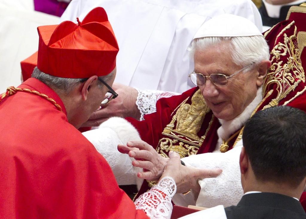 Santos Abril y Benedicto XVI