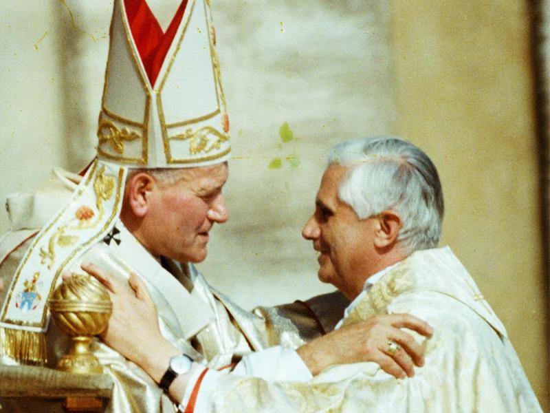 Juan Pablo II y Benedicto XVI